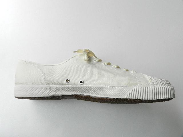 U.K army white canvas shoes size9 !!!!!_f0226051_1226740.jpg