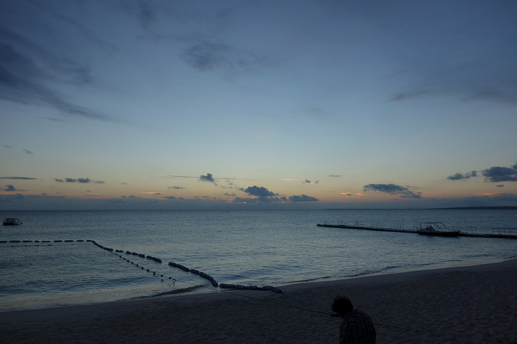 青い海_b0175400_1605195.jpg