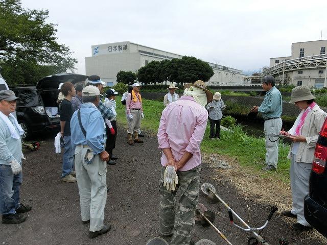 9月の彼岸花ウォークを目標にした「田宿川・滝川・沼川の草刈り」_f0141310_7244170.jpg