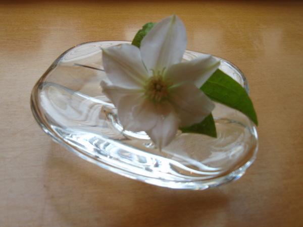 お花を生けかえました_b0132442_17302366.jpg