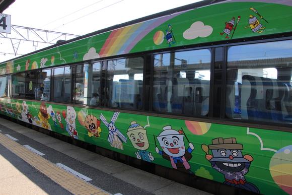 アンパンマン列車_d0202264_523425.jpg