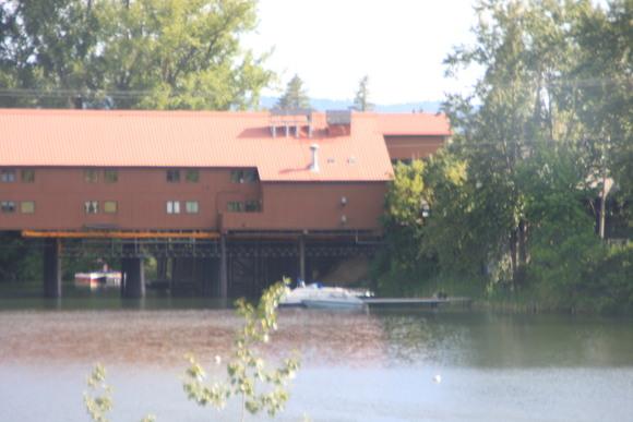 SKY130805 95号線沿いから町につながる屋根のある橋がとっても印象的_d0288367_7594593.jpg