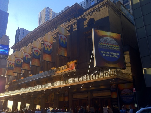 Lunt-Fontanne Theatre で「Motown the Musical」を観る。_e0094804_1649152.jpg