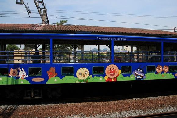 アンパンマントロッコ列車_d0202264_22342528.jpg