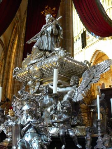 中欧家族旅行2012年08月-第九日目-チェコ・プラハ、プラハ城(II)、聖ヴィート大聖堂_c0153302_14454381.jpg
