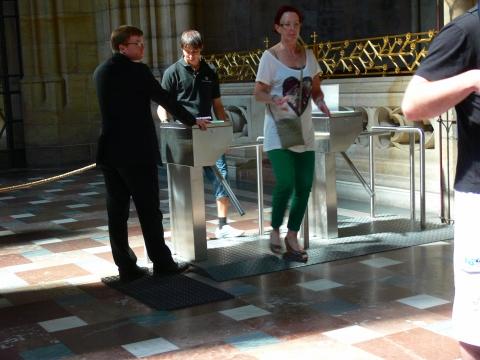 中欧家族旅行2012年08月-第九日目-チェコ・プラハ、プラハ城(II)、聖ヴィート大聖堂_c0153302_9171747.jpg