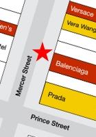 NYのSOHOにオープン予定のバレンシアガ(Balenciaga)旗艦店前の巨大写真ポスター_b0007805_19371861.jpg