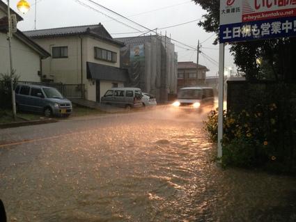 大雨にお気を付け下さい_f0259324_2021440.jpg