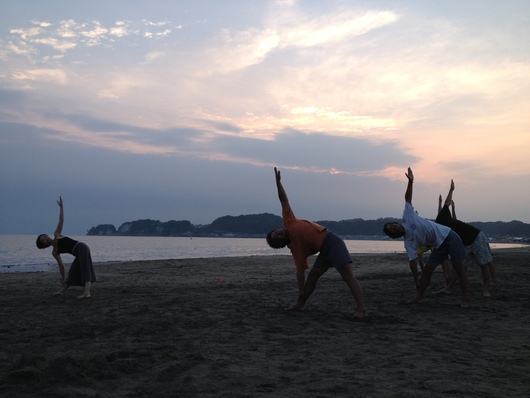 Sunset yoga_a0267845_23291898.jpg