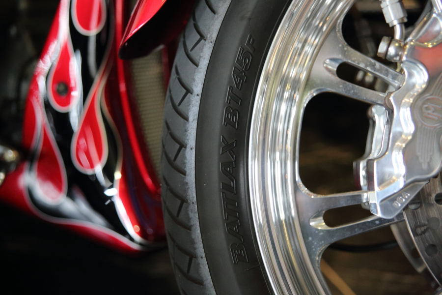 BRIDGESTONE BATTLAX BT45V_f0186648_15341316.jpg