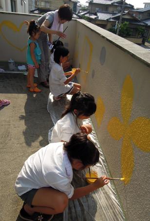 壁画を描こう!「3びきのかめ・1まんねんのぼうけん」②_f0247351_8102394.jpg