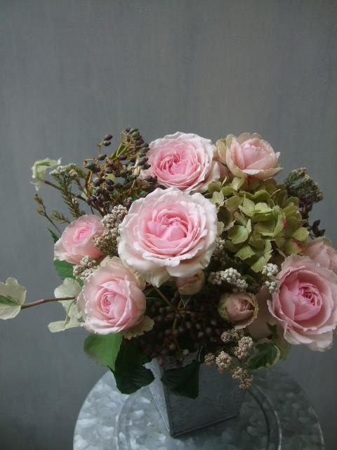 オークリーフ(アンティークピンクのバラを入れて)_f0049672_11271651.jpg