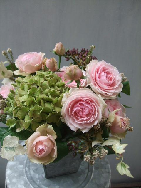 オークリーフ(アンティークピンクのバラを入れて)_f0049672_11273140.jpg