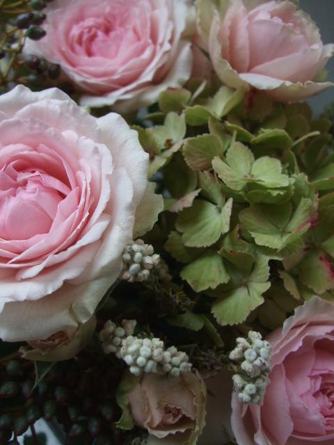 オークリーフ(アンティークピンクのバラを入れて)_f0049672_1127471.jpg
