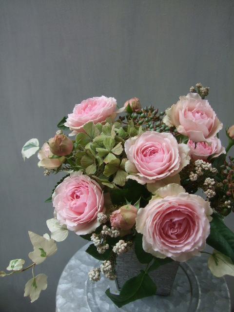 オークリーフ(アンティークピンクのバラを入れて)_f0049672_1128516.jpg