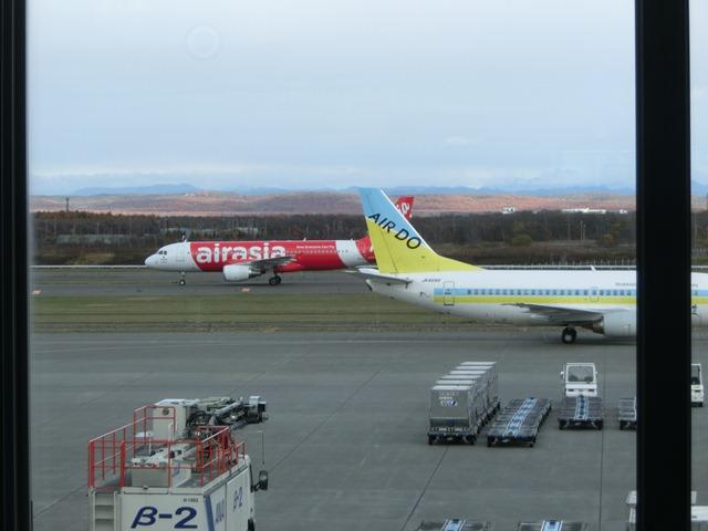 北海道観光と飛行機、沖縄観光と飛行機、地方活性化に飛行機が重要、格安飛行機が地域活性に寄与_d0181492_063548.jpg