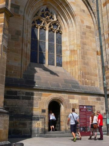 中欧家族旅行2012年08月-第九日目-チェコ・プラハ、プラハ城(III)、聖ヴィート大聖堂鐘楼とプラハの眺め_c0153302_15462247.jpg