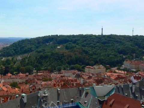 中欧家族旅行2012年08月-第九日目-チェコ・プラハ、プラハ城(III)、聖ヴィート大聖堂鐘楼とプラハの眺め_c0153302_15472497.jpg