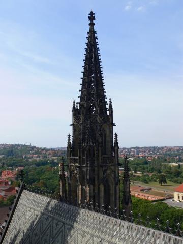 中欧家族旅行2012年08月-第九日目-チェコ・プラハ、プラハ城(III)、聖ヴィート大聖堂鐘楼とプラハの眺め_c0153302_15475936.jpg