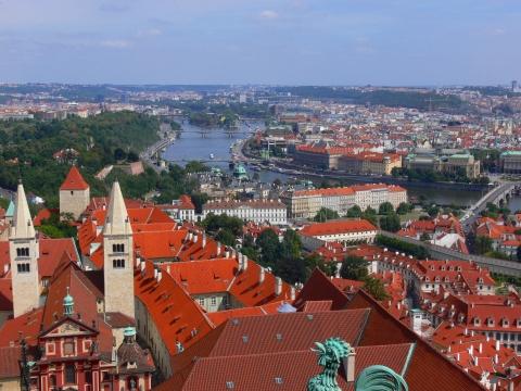中欧家族旅行2012年08月-第九日目-チェコ・プラハ、プラハ城(III)、聖ヴィート大聖堂鐘楼とプラハの眺め_c0153302_1559284.jpg
