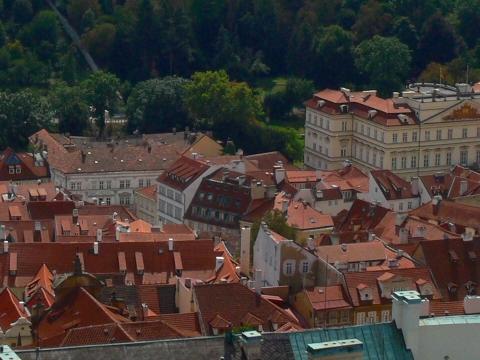 中欧家族旅行2012年08月-第九日目-チェコ・プラハ、プラハ城(III)、聖ヴィート大聖堂鐘楼とプラハの眺め_c0153302_1604759.jpg