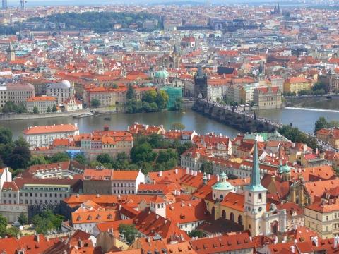 中欧家族旅行2012年08月-第九日目-チェコ・プラハ、プラハ城(III)、聖ヴィート大聖堂鐘楼とプラハの眺め_c0153302_161076.jpg