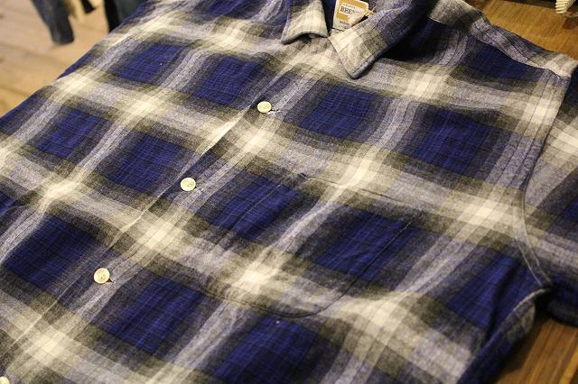 シャドウチェックのレーヨンシャツ。_d0121303_17254023.jpg