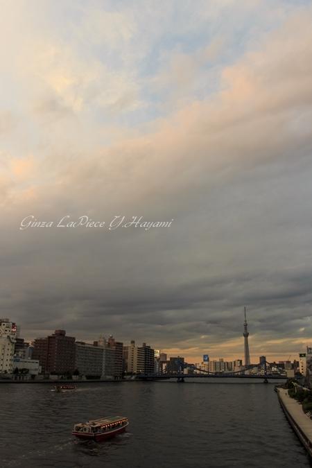 風景の写真 夕暮れ前の隅田川_b0133053_0182171.jpg