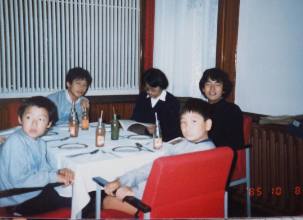 土曜の晩餐、懐かしい再会。_c0180686_22544649.jpg