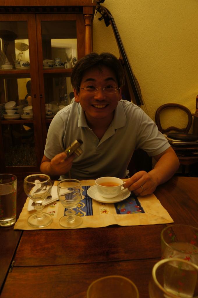 土曜の晩餐、懐かしい再会。_c0180686_2318104.jpg