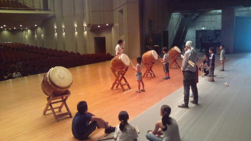 太鼓教室、深沢小学校みんなでぼんおどり_c0092197_1483369.jpg
