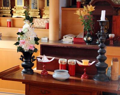 お寺の位牌堂にお供えするプリザ_f0134809_17322327.jpg