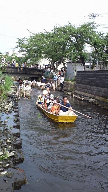今年も盛大に開催「第27回 田宿川たらい流し川祭り」_f0141310_6575327.jpg