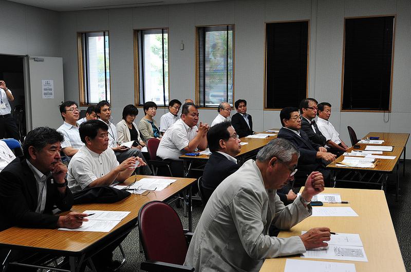 今日は滋賀県10市長がお越しに_d0047811_2113215.jpg