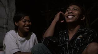 インドネシアの映画:『デノクとガレン』(Denok & Gareng)@山形国際ドキュメンタリー映画祭 _a0054926_21345437.png