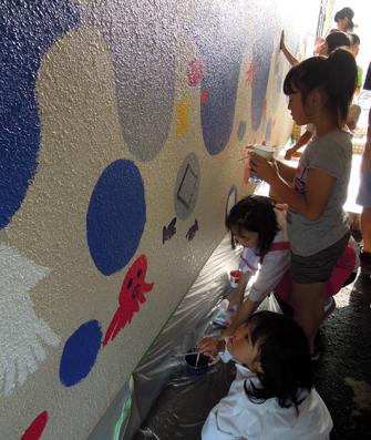 壁画を描こう!「3びきのかめ・1まんねんのぼうけん」③_f0247351_783198.jpg