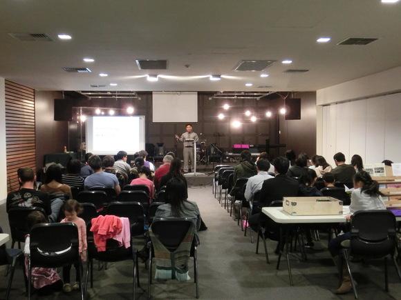 礼拝とイケメンドラマー_f0234165_18472216.jpg