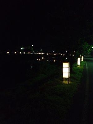あおやに灯篭の風景があります。_f0009169_139438.jpg