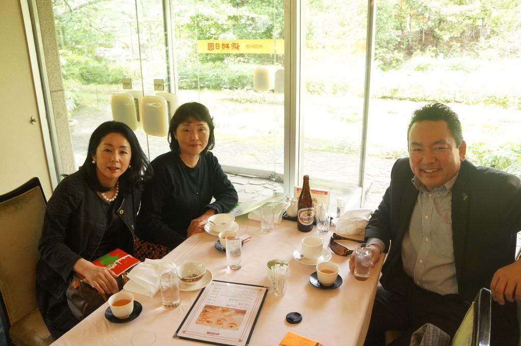 東京日記@ベルリンvol.18 赤羽橋の駅で/九段中の後輩たちと。_c0180686_19253589.jpg