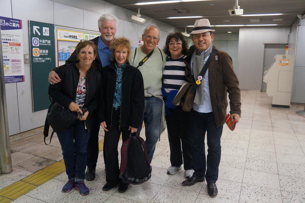 東京日記@ベルリンvol.18 赤羽橋の駅で/九段中の後輩たちと。_c0180686_19302081.jpg