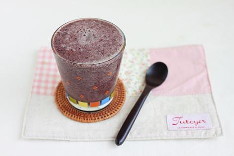 レシピ「ブルーベリーとグレープフルーツのグリーンスムージー」と旬のスムージーレシピ7選のこと♪_a0154192_199834.jpg