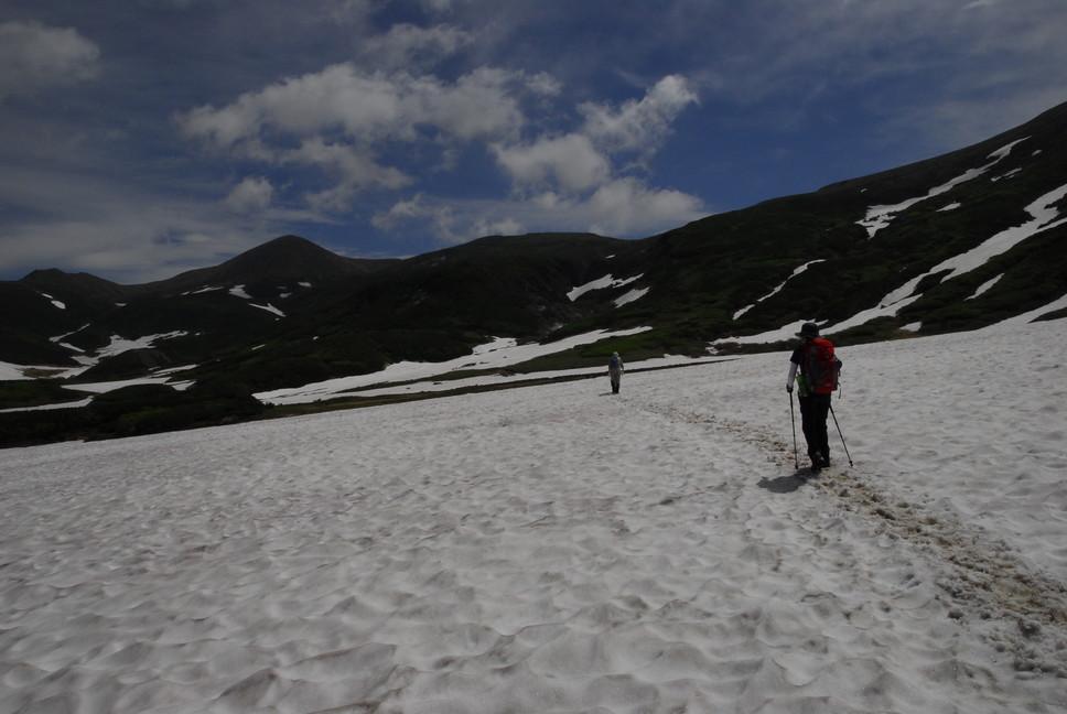 2013年7月 July 2013 大雪トムラウシ山系縦走 Trekking in Taisetsu (Tomurausi) Mountains_c0219616_14393156.jpg