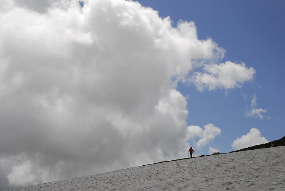 2013年7月 July 2013 大雪トムラウシ山系縦走 Trekking in Taisetsu (Tomurausi) Mountains_c0219616_15142156.jpg