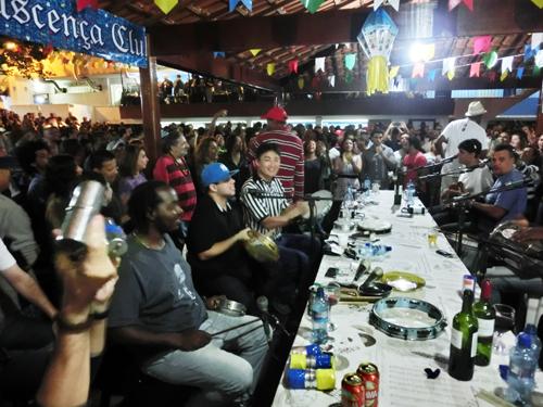 from Rio de Janeiro, BRASIL ...Sambaの殿堂にピンで出演、巨匠たちと共演♬ _b0032617_0243433.jpg