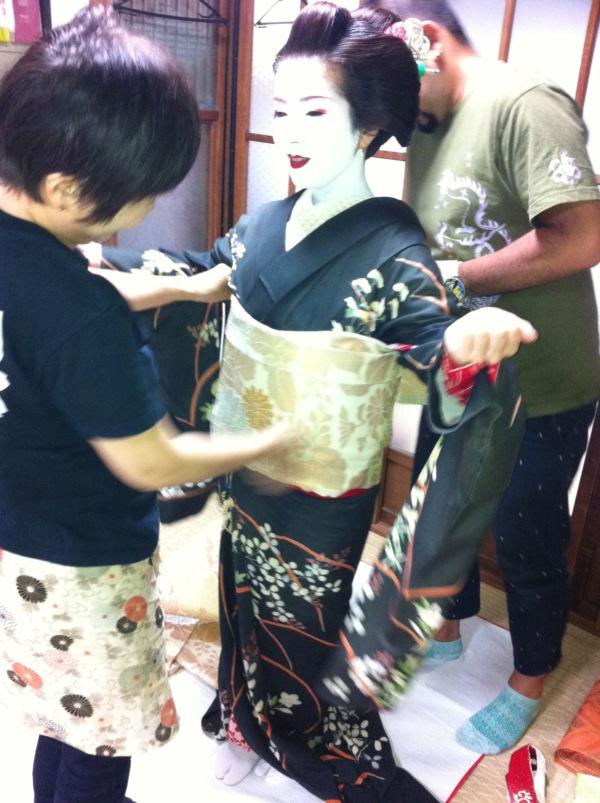 130723 祇園祭で舞妓体験〜着付け編〜_f0164842_20465377.jpg