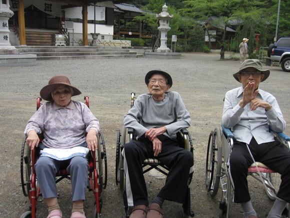 富士川町妙法寺へバスハイク_e0191174_16545016.jpg