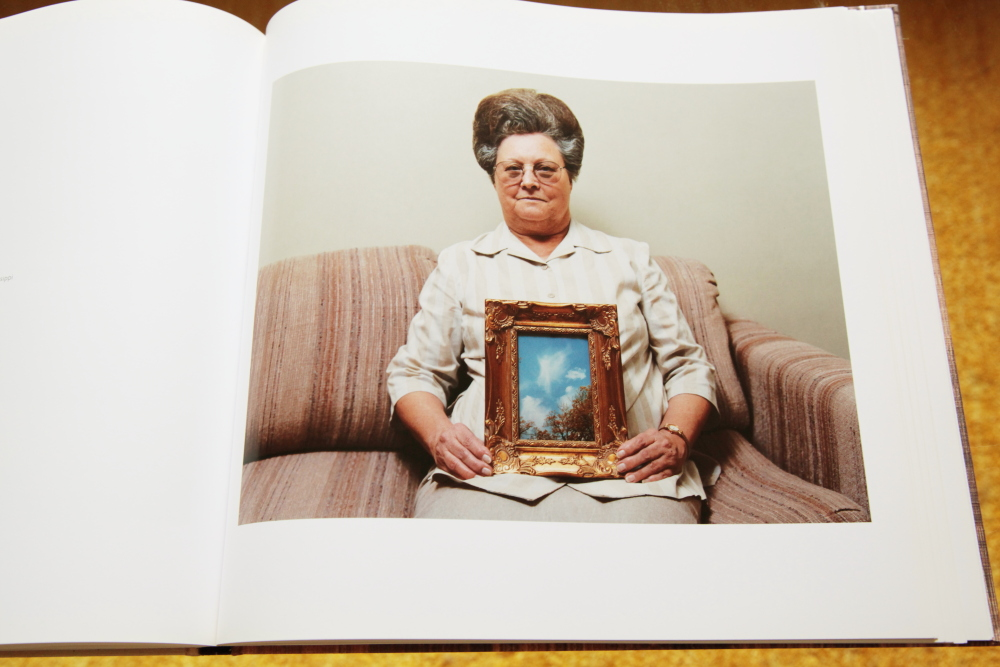 Alec Soth 「Sleeping by the Mississippi」_c0016177_10385168.jpg