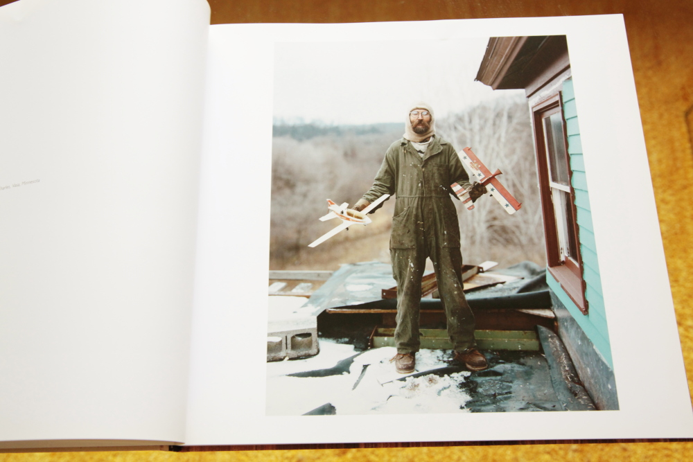 Alec Soth 「Sleeping by the Mississippi」_c0016177_10423572.jpg