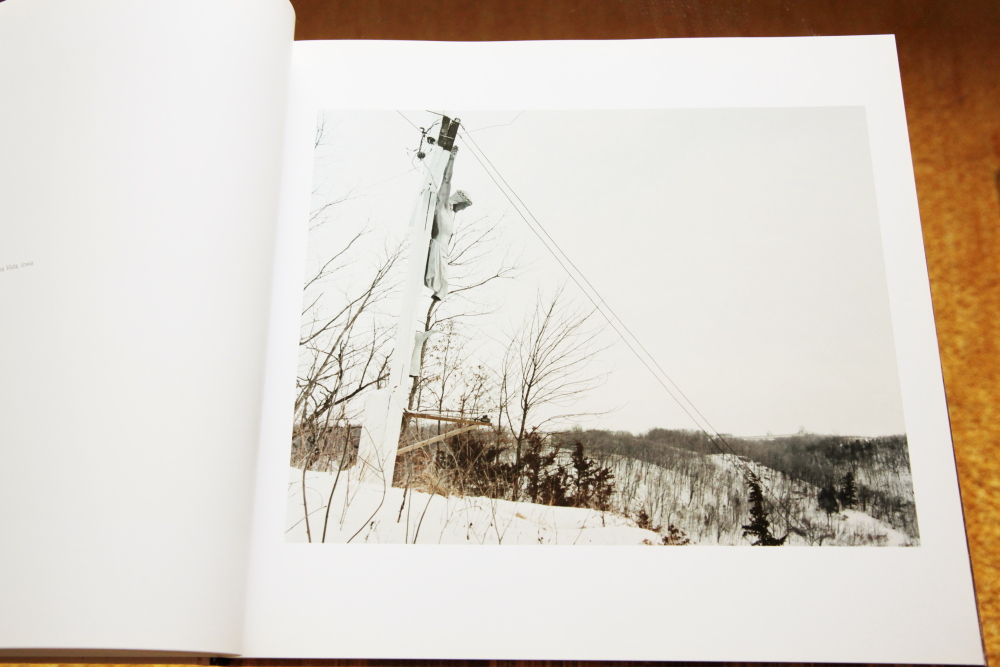 Alec Soth 「Sleeping by the Mississippi」_c0016177_1042431.jpg