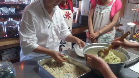 料理教室でおいしいコロッケ習ってきました。_d0182179_20375680.jpg